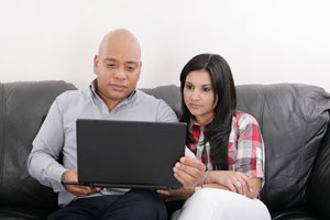 Couple researching K1 fiance visa